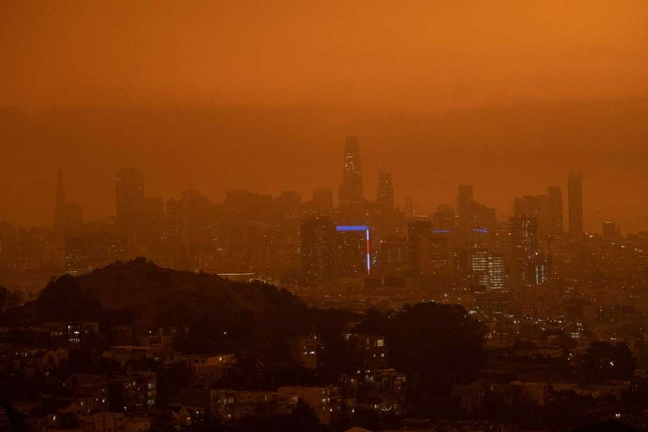 a A view of downtown San Francisco at 11:15 a.m. Wednesday. San Francisco was blanketed in an eerie haze from the wildfires. Photo: Photo By Nick Otto For The Washington Post / For The Washington Post